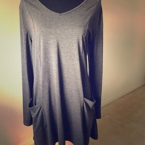 Gray long sleeve dress with pockets